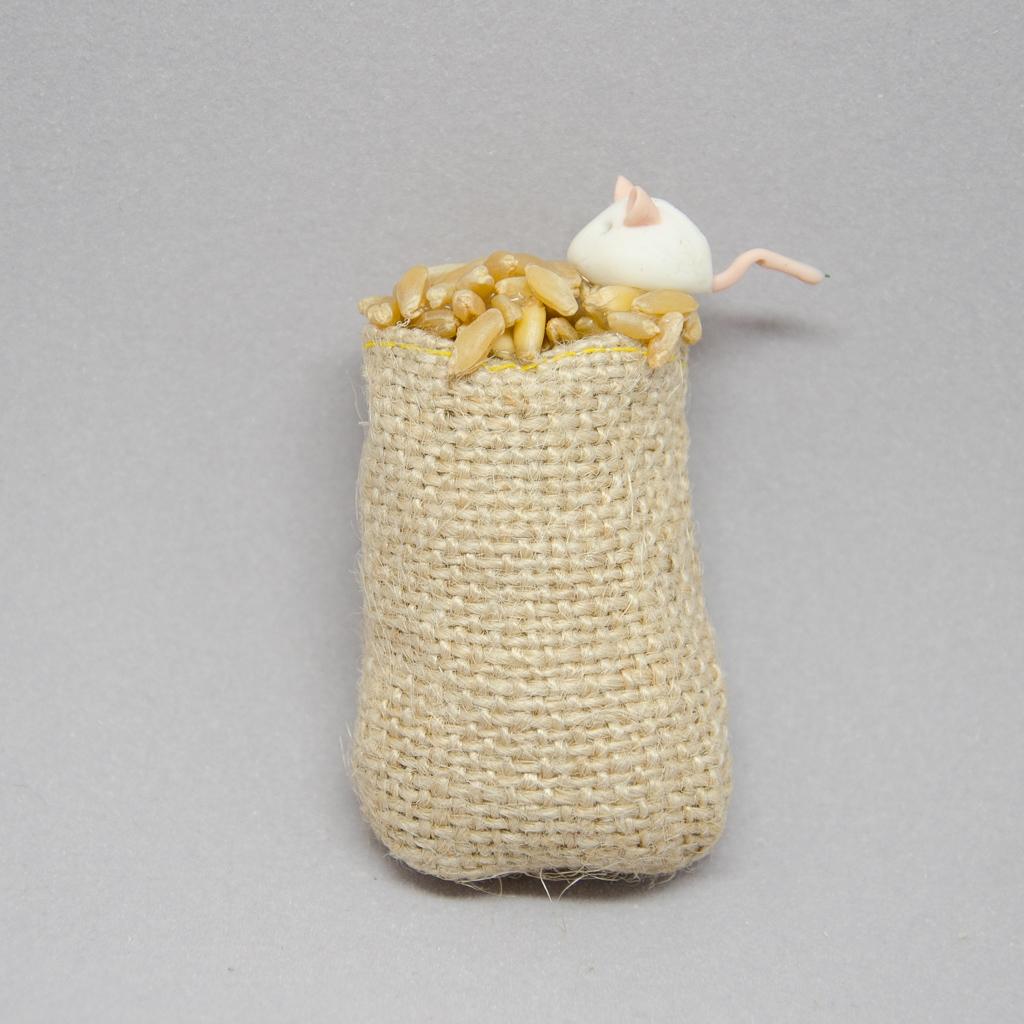 Getreidesack mit Maus